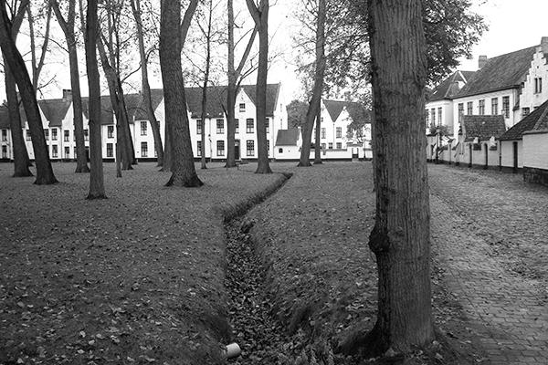 Jardim das beguinas em Bruges