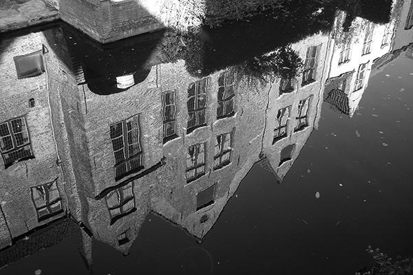 As águas estagnaram e, com elas, a cidade.