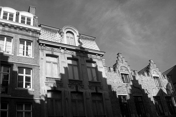 Bruges: sombras nas casas