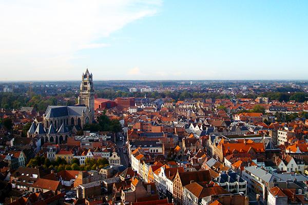 Vista do alto do campanário de Bruges