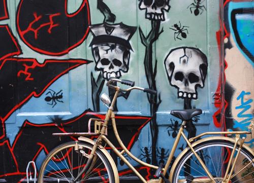 Grafite com bike em Amsterdam