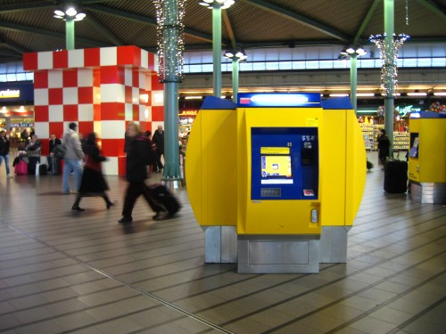 Ticket machine Schiphol