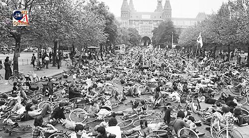 Protesto em Amsterdam por ciclovias