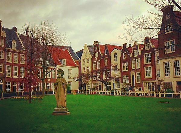 Jardim das Beguinas em Amsterdam