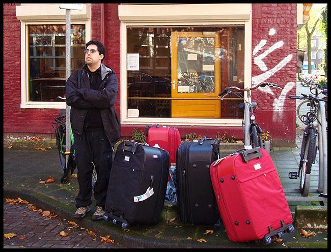 Daniduc recem- chegado na Holanda com as malas