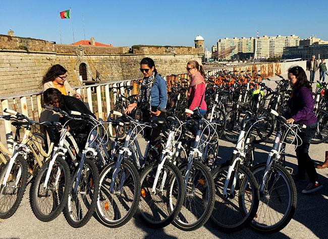 O que fazer no Porto: passeio de bike na Foz do Douro