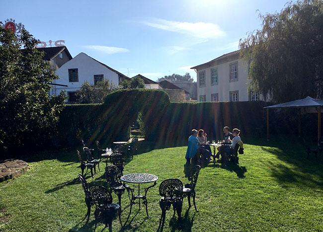 Jardim do restaurante Barão Fladgate, Porto