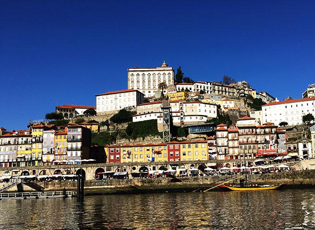 Porto vista a partir do Douro