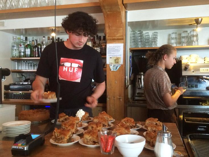 A melhor torta de maçã holandesa em Amsterdam, na Winkel 43, no Noordermarkt.