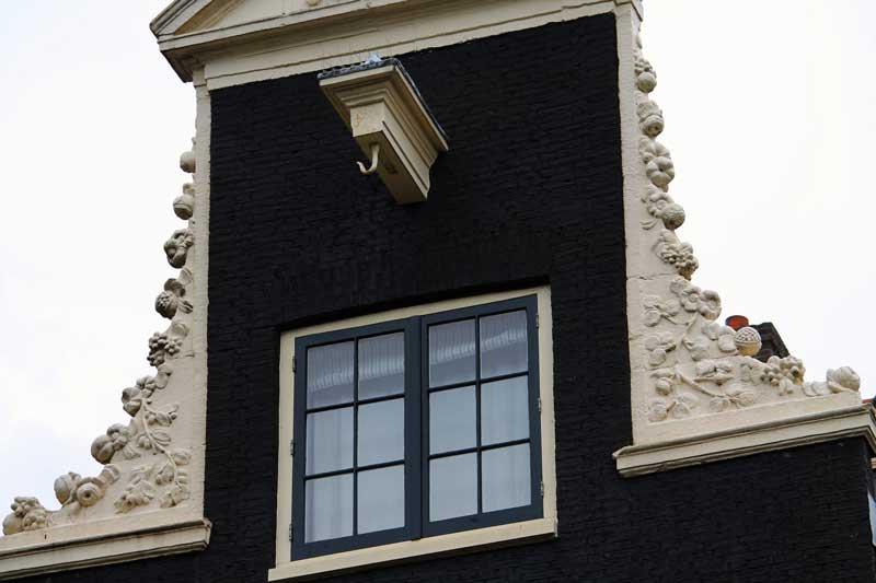 Casa típica de Amsterdam by Michael Costa