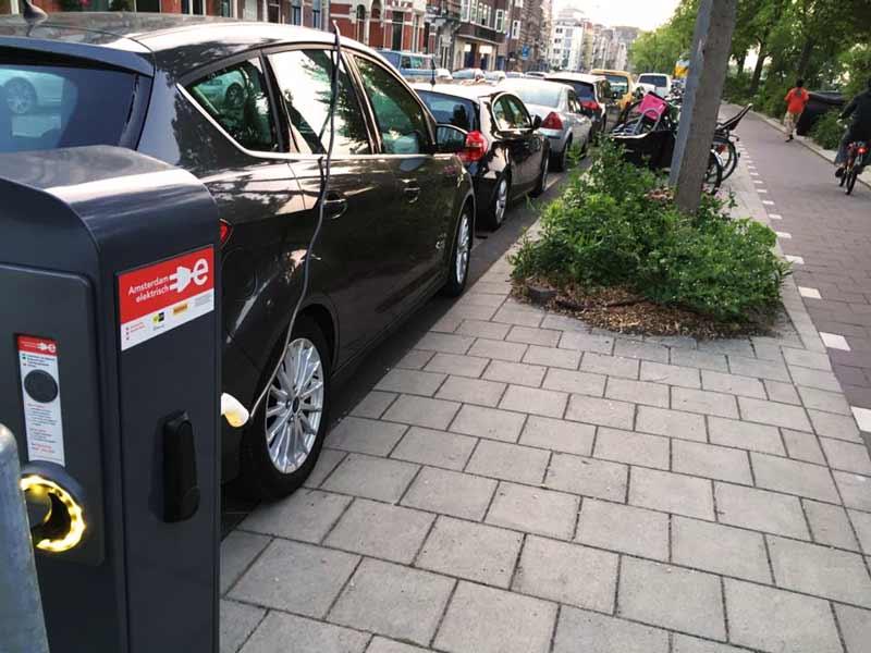 Carro elétrico na Holanda