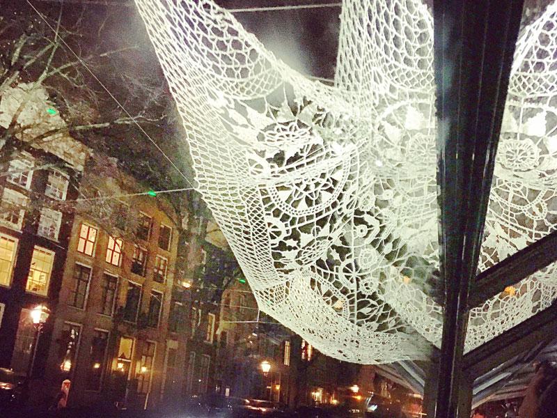 Passeio de barco no inverno: Festival das Luzes em Amsterdam