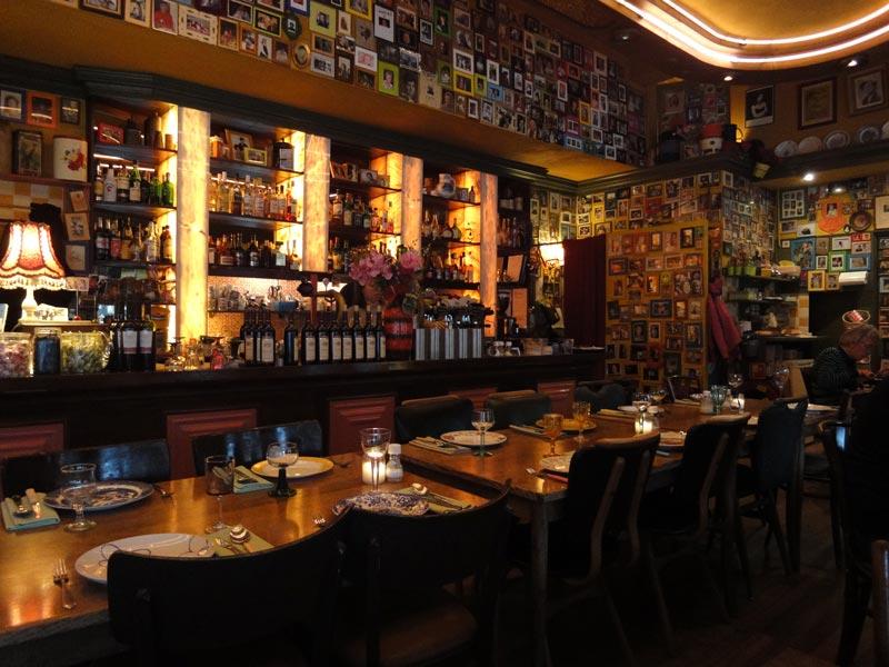 Onde passar o Natal e Ano novo em Amsterdam: Restaurante Moeders em Amsterdam