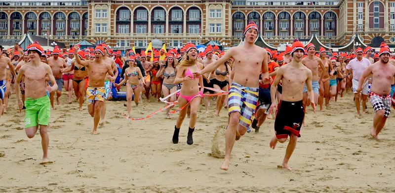 O que acontece na Holanda: mergulho de ano de Ano Novo