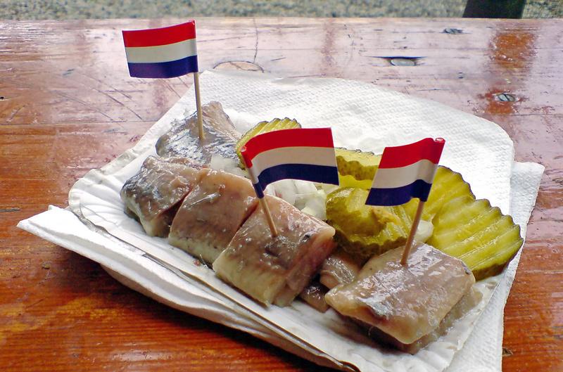 Lanche típico holandês: o arenque