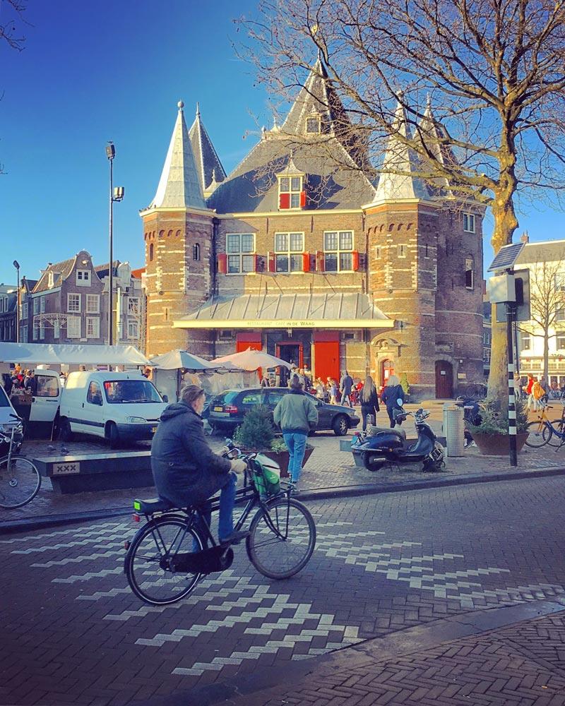 Alugar bicicleta em Amsterdam