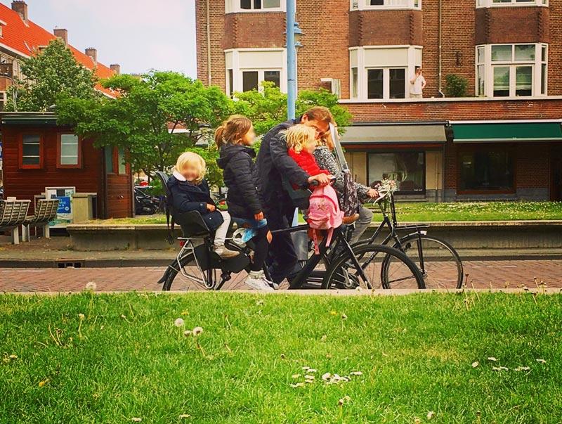 Andar de bicicleta em Amsterdam é seguro!