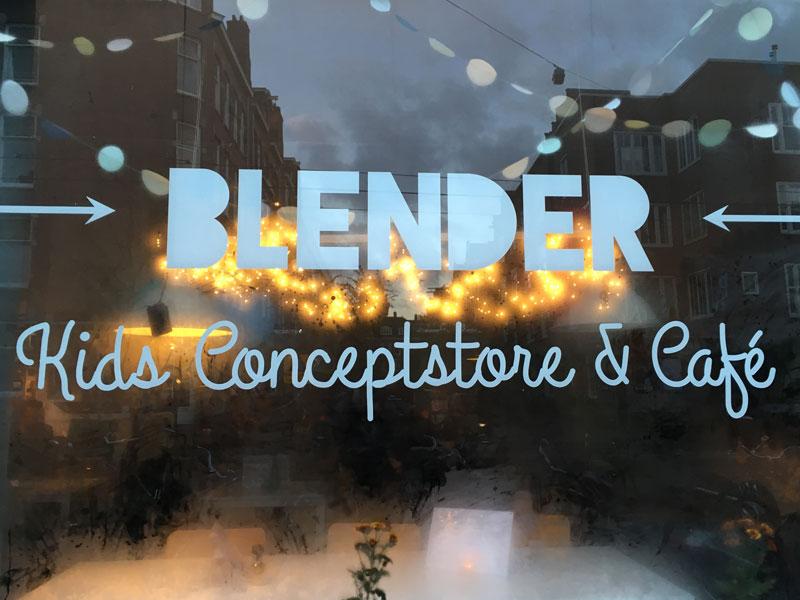 Blender: conceito de loja e café para crianças