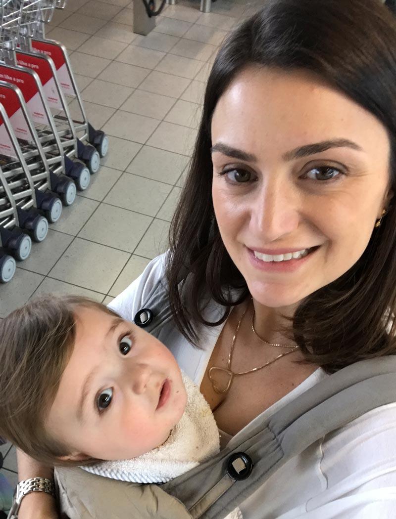 Dicas de como viajar de avião com crianças