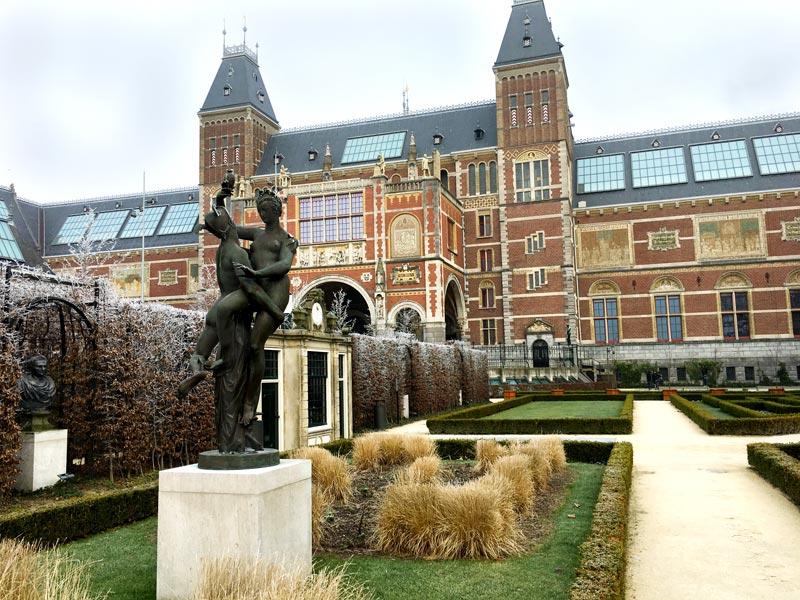 Atrações de graça em Amsterdam: jardins do Rijksmuseum