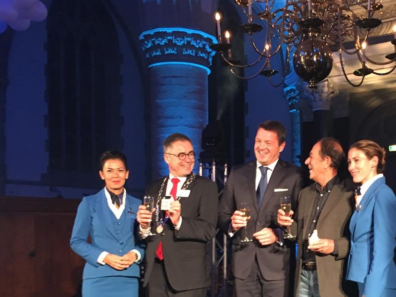 Prefeito de Haarlem, CEO da KLM e o atual morador da casa que era de Anthony Fokker